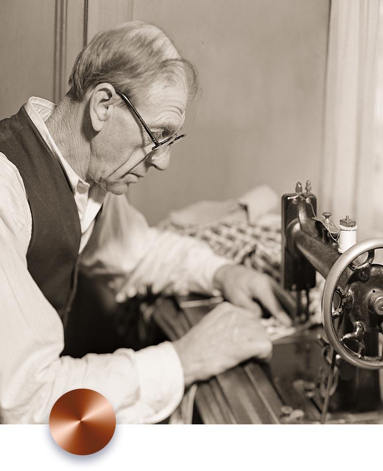 watchmaker-man-working